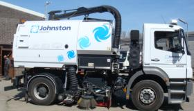 Johnston VS651 veegmachine op chassis